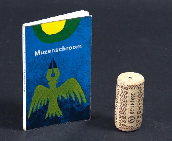 Holsbergen, J.W. Muzenschroom.Een roman uit de streek van Thalia, waar de Roelandstroom, via de Vestdijk in de Schierbeek uitmondt.